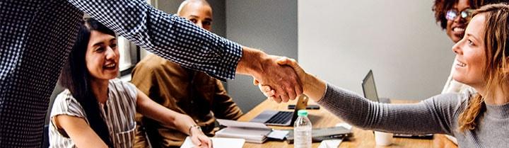 Dématérialisation RH et engagement salarié : comment fidéliser les collaborateurs ?